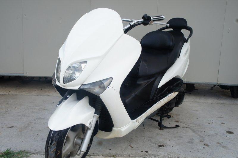 ヤマハ マジェスティー125 5CA コマジェ ホワイト