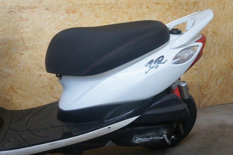 ヤマハ ジョグ ZR SA39J型 ホワイト