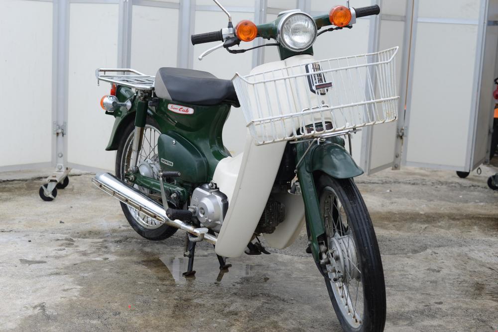 ホンダ スーパーカブ 国内生産AA01 高年式