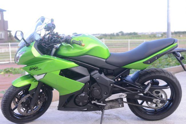Ninja 400R 前タイヤ新品渡し