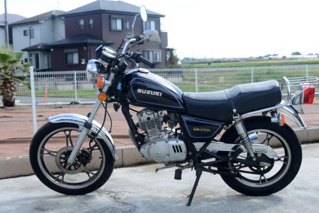 スズキ GN125H ブラック!