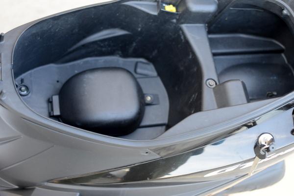 sym GT125 台湾製 サイドスタンド付き