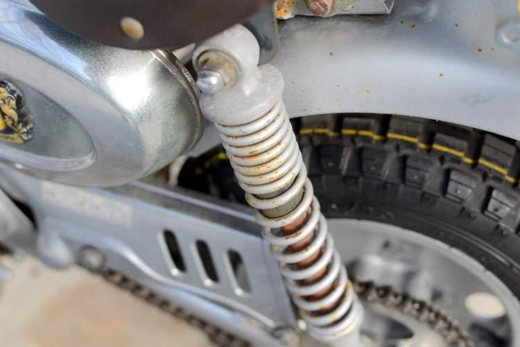 モンキーリミテッド 銀 前後タイヤ新品