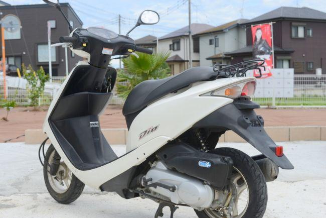 ホンダDio2009 年50ccホワイト AF68
