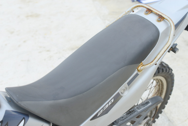ホンダ SL230 MD33 シルバー