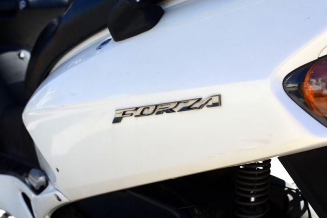 ホンダ フォルツァ250社外マフラー