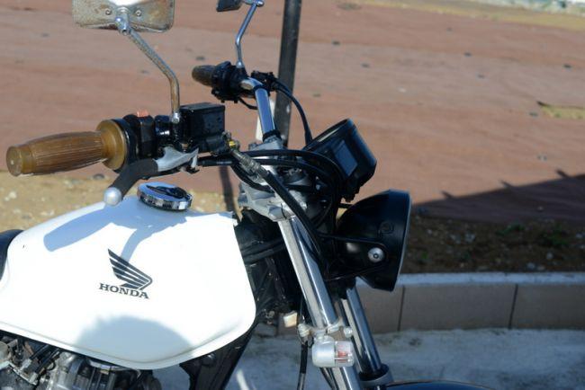ホンダ FTR223! ホワイト! ビームスマフラー!