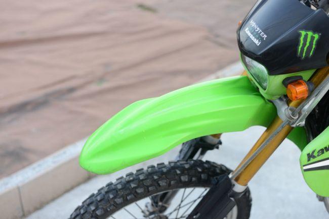 カワサキ KLX250 グリーン 山遊びにおすすめな一台!