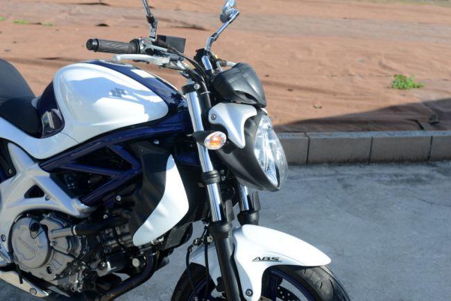 スズキ グラディウス400 ホワイト 綺麗!