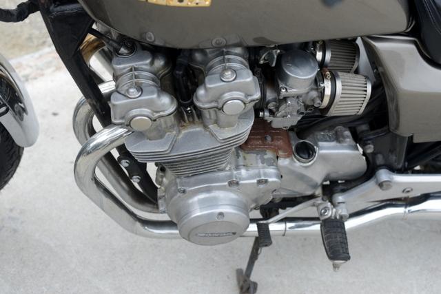 RC04 CB750カスタム 色替えシルバー 社外マフラー