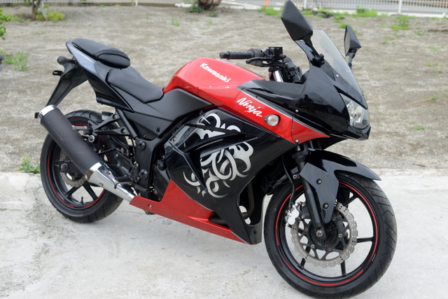 EX250K カワサキニンジャ250R 限定カラー!