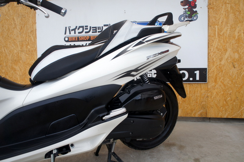 今人気のHONDA PCX150 低走行!!