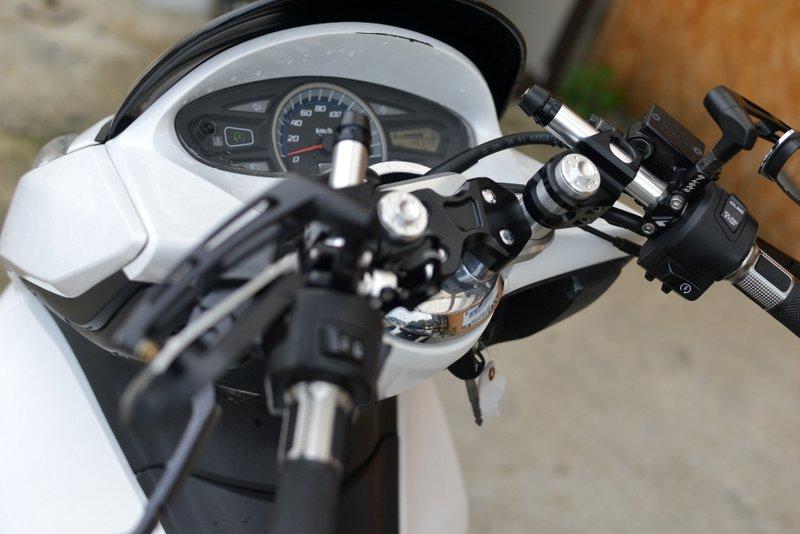 ホンダPCX2010年 人気のホワイト125cc