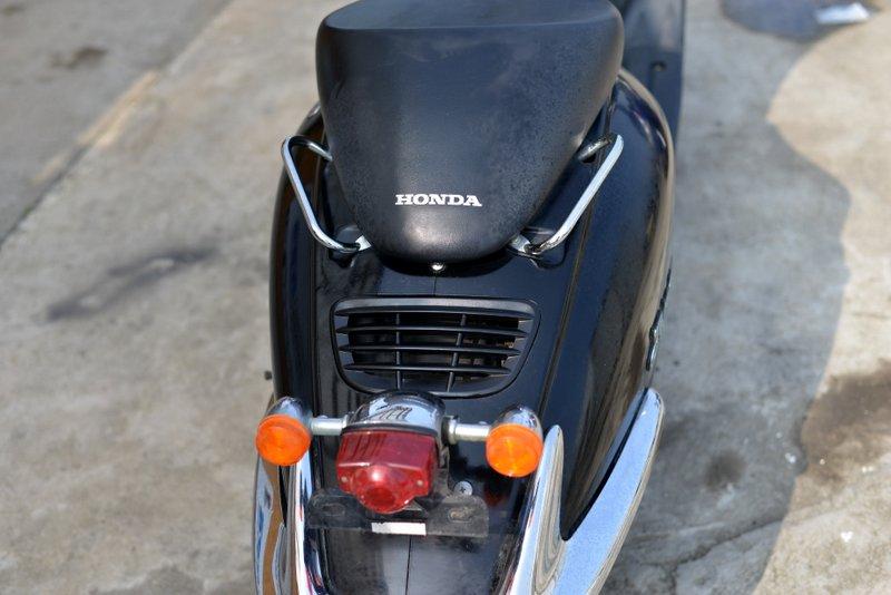 ホンダ ジョーカー 2スト 人気のブラック