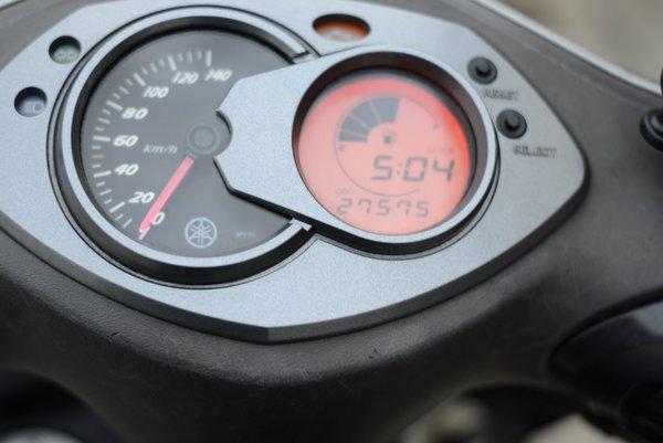 ヤマハ シグナスX FI 2型 シルバー 1004